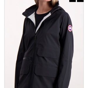 Brand new auth Canada goose jacket small
